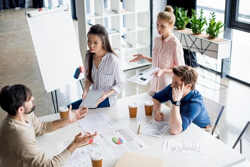Nouveau manager : comment faire face à votre toute première réunion